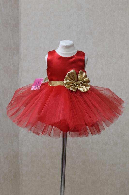 Пышное, нарядное платье  Кокетка с золотистым бантиком
