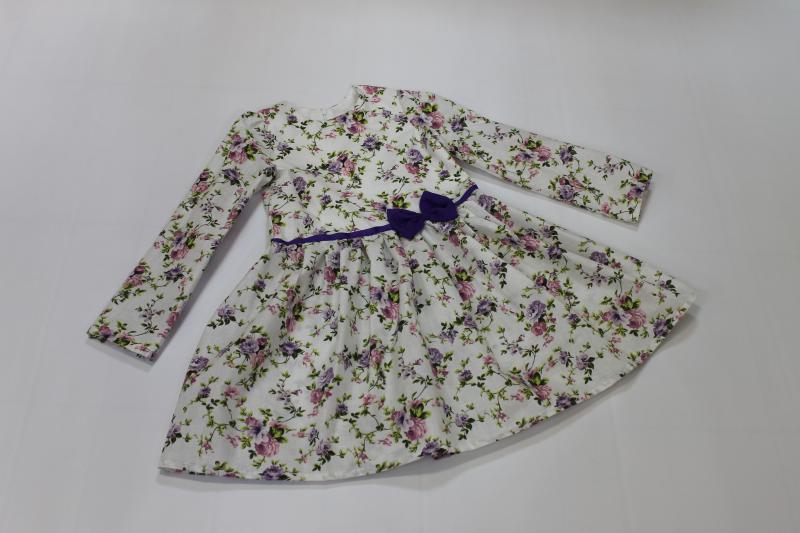 Повседневно - нарядное платье на девочку  Цветочное настроение   с рукавами, фиолетовым поясом и бантиком