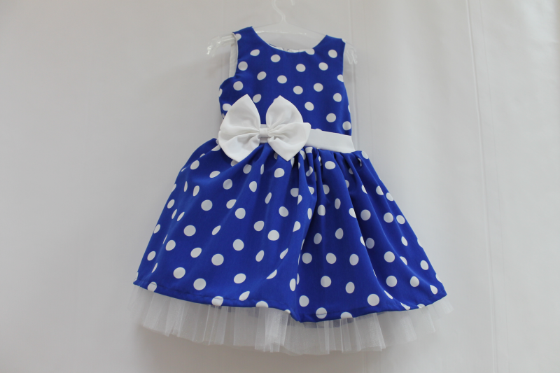 Нарядное платье на девочку   Синее  в белый горошек с белым фатином