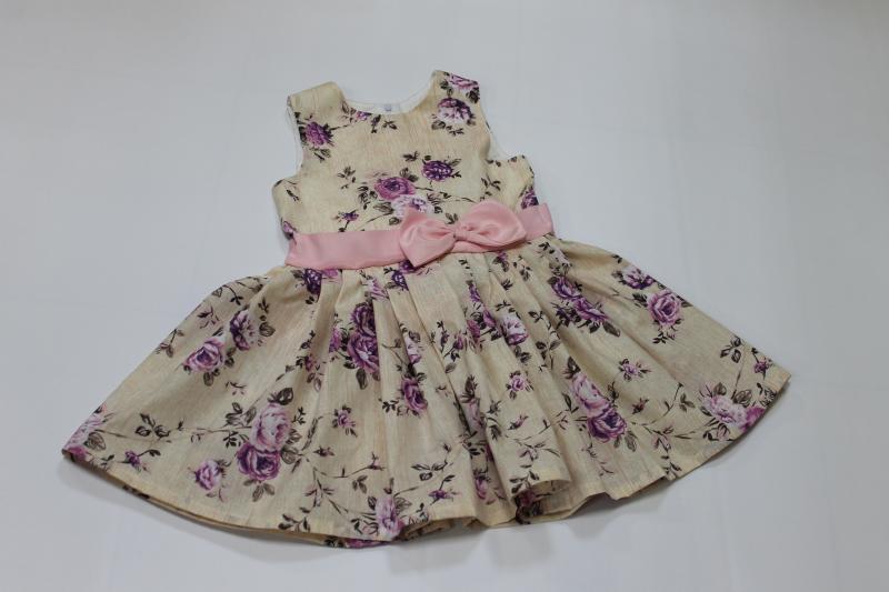 Летнее цветочное платье на девочку без рукавов