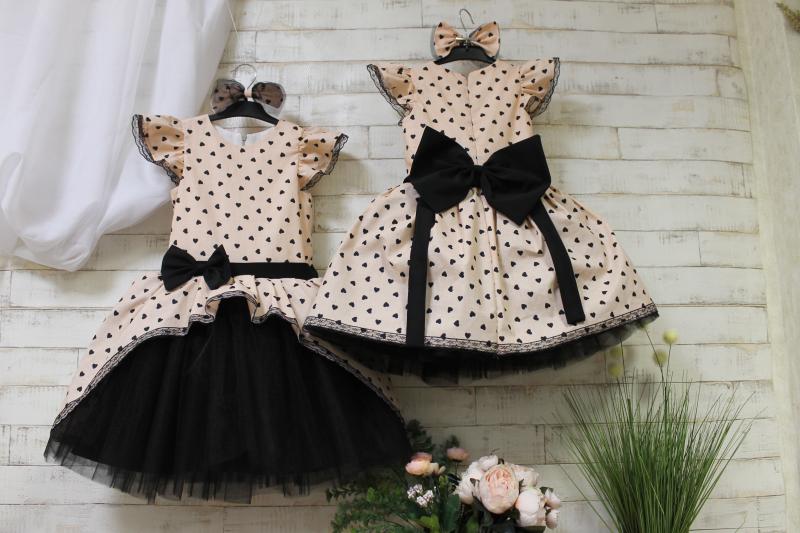 Нарядное платье на девочку с сердечками № 120
