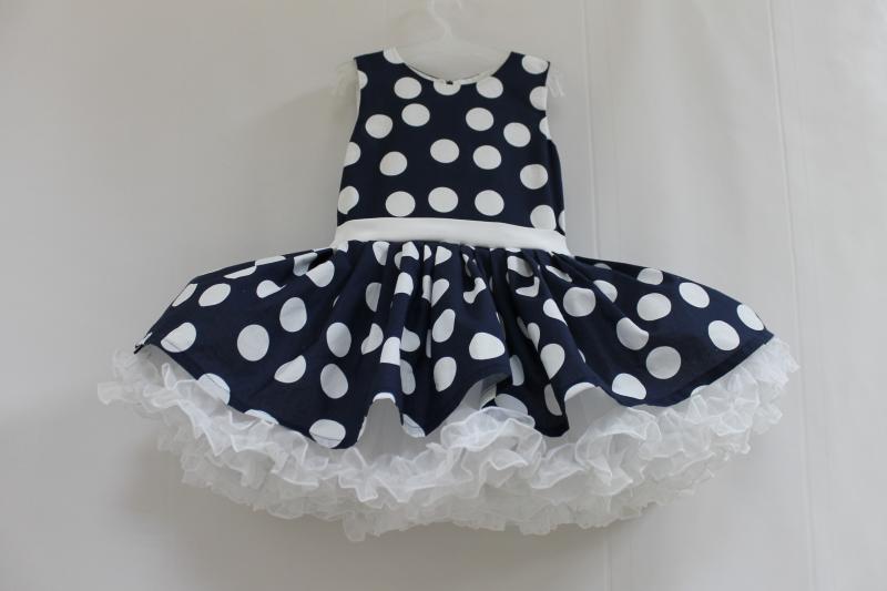 Нарядное платье на девочку в стиле Стиляги  темно синее в белый горошек  № 93