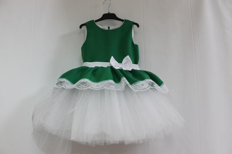 Нарядное платье на девочку в бело - зеленом цвете с кружевом № 47