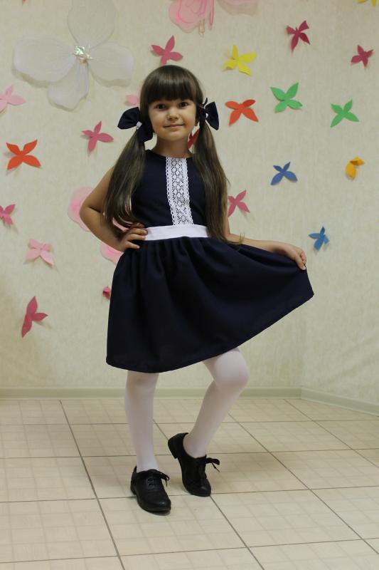 Платье - сарафан в школу с кружевом