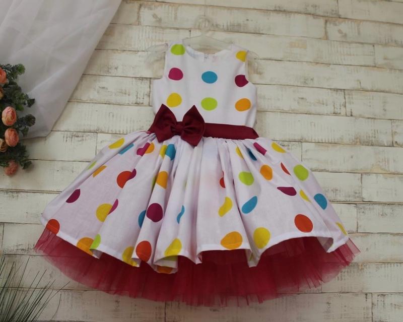 Сукня стиляги в різнокольоровий горошок