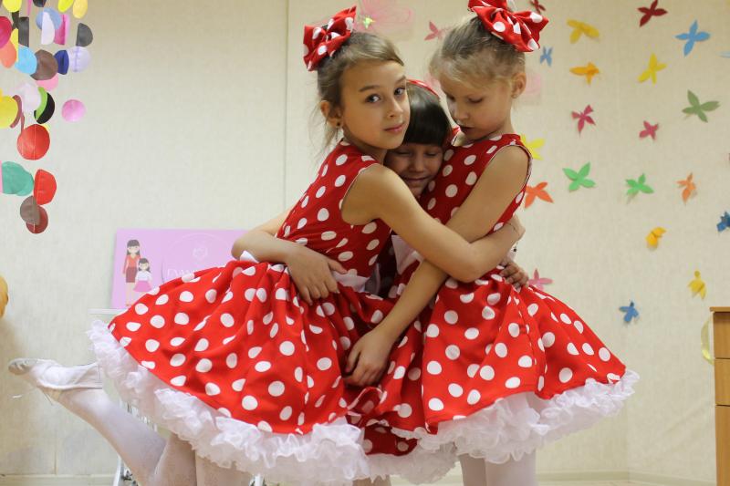 Нарядное платье в стиле ретро на девочку № 69