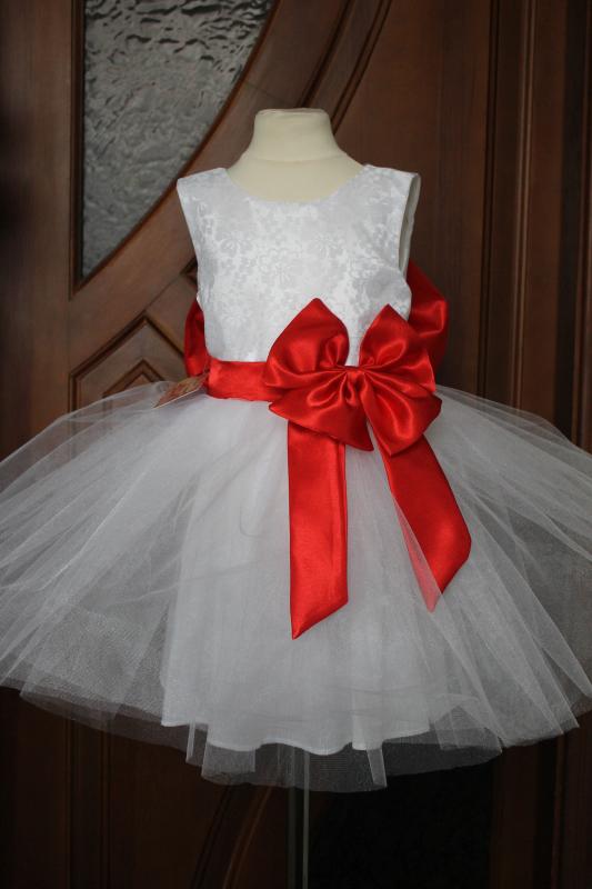 Пышное, нарядное платье.  Блюз  с красным поясом и бантом.