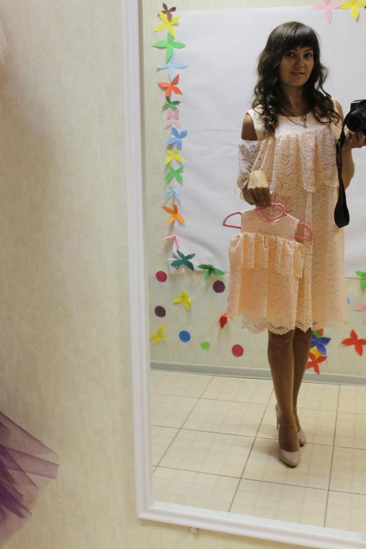 Повседневно - нарядное платье на маму и доченьку (в стиле Фемели Лук)   пудровый гипюрчик