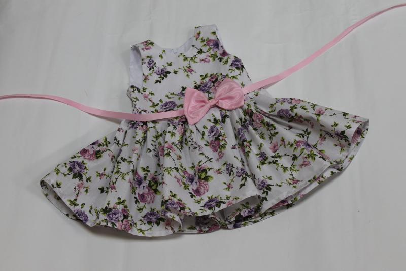 Повседневно - нарядное платье на девочку  Цветочное настроение  без рукавов с розовым поясом и бантиком