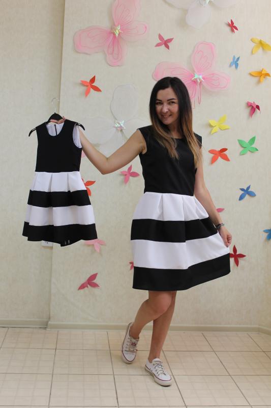Повседневно - нарядное платье на маму и доченьку (в стиле Фемели Лук)  Полосатики  черно - белое