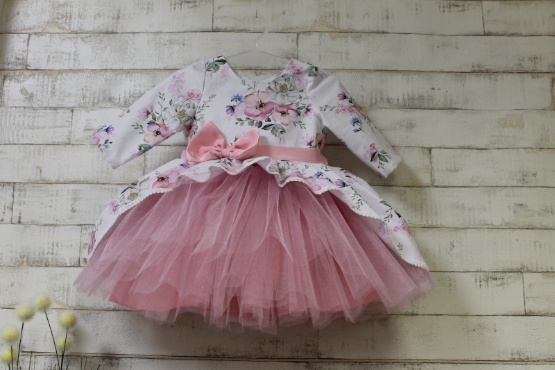 Нарядное платье на девочку в цветочек № 119 с рукавами