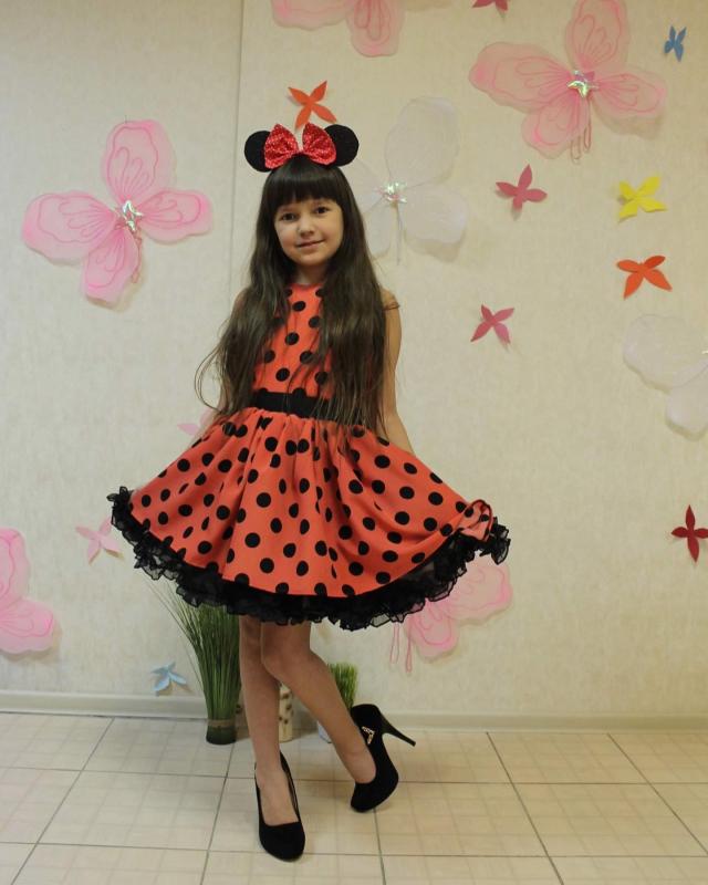 Сукня на дівчинку в стилі Міккі маус