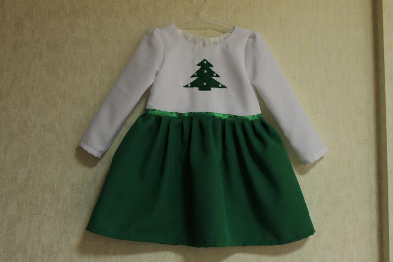 Повседневно - нарядное новогоднее платье на девочку   Зеленая елочка