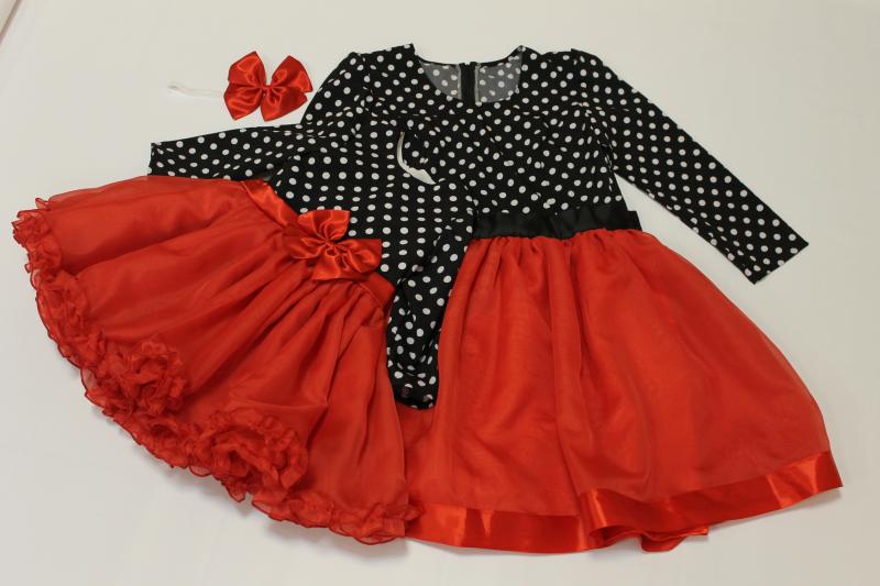 Нарядные платья на маму и доченьку в стиле  Фемели лук  с рукавами: горошек с красным низом