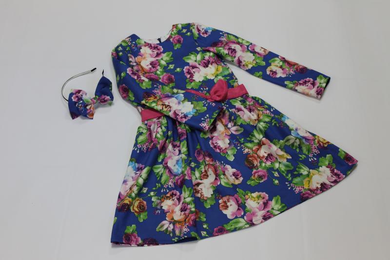 Повседневно - нарядное платье на девочку  Синее в цветочек  с рукавами