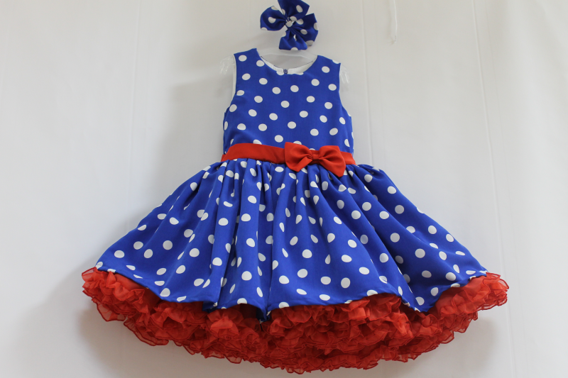 Нарядное платье  Стиляги  синее в белый горошек с 2-м красным подьюпником