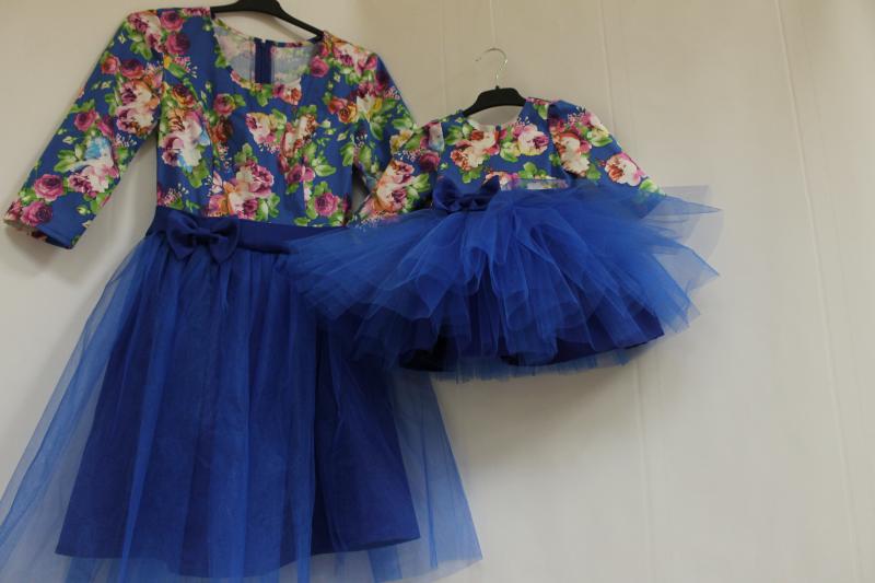 Платье на маму и доченьку с синим фатином