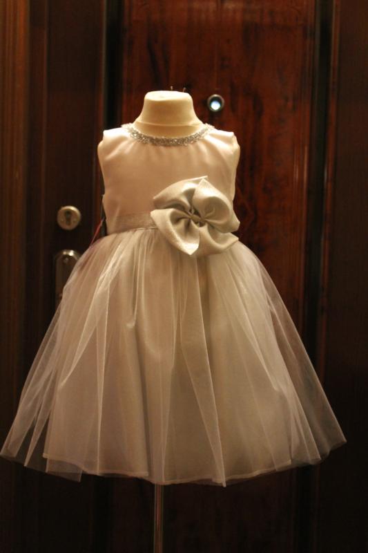 Нарядное платье на девочку  Новогодняя сказка