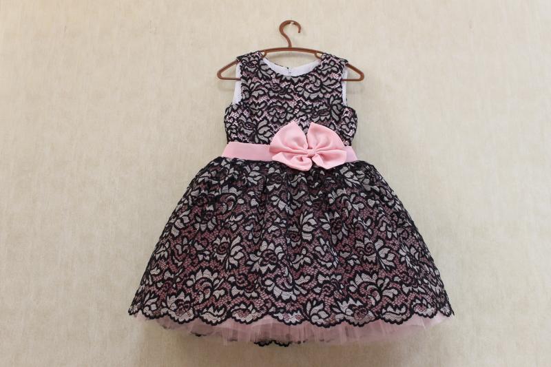 Нарядное платье на девочку   Гипюровое настроение  - розовое