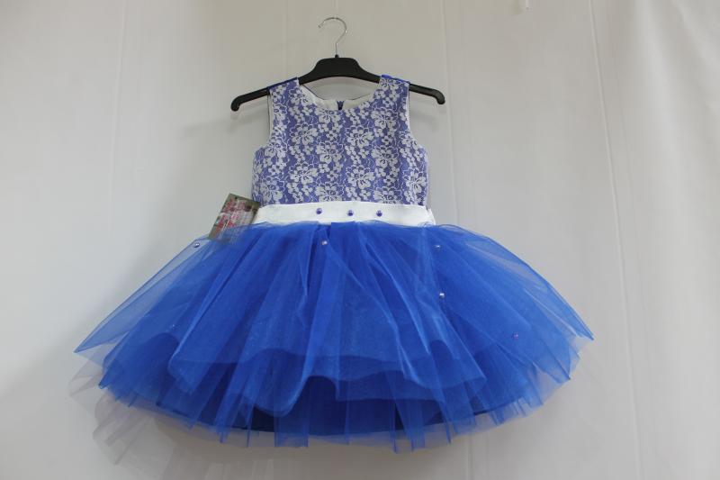 Нарядное платье на девочку в синем цвете с бусинками № 46