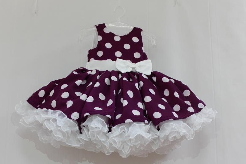 Пышное платье на девочку  Фиолетовое ретро в белый горошек
