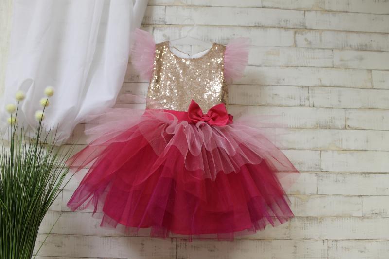 Нарядное платье на девочку с пайетками 124