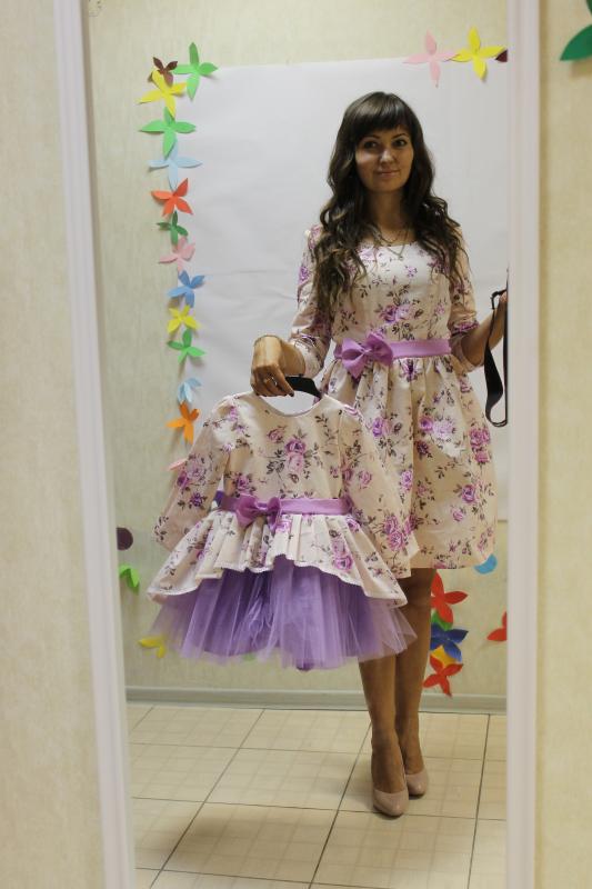 Платья на маму и доченьку  в сиреневый цветочек № 42
