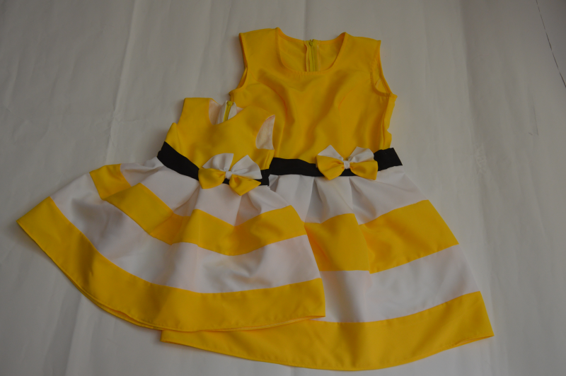 Повседневно - нарядные платья на маму и доченьку в стиле Фемели лук  Бело - желтая полоска