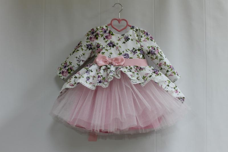 Нарядное платье на девочку  Цветочное настроение  модель № 2  с розовым фатином и рукавами