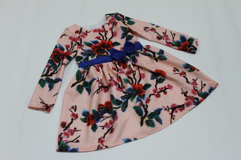 Повседневно - нарядное платье на девочку  Алиса 3Д  с рукавами