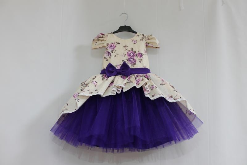 Нарядное платье на девочку  Сиреневый цветочек  с фиолетовым фатином и рукавчиками фонариками