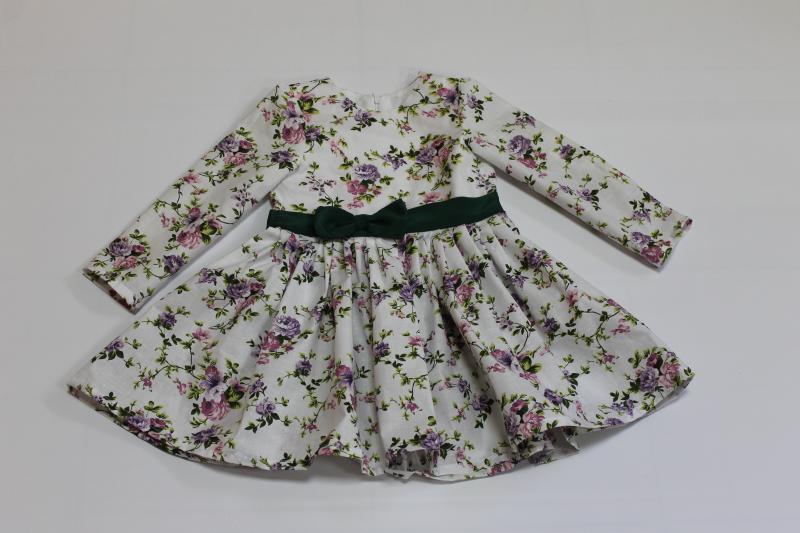 Повседневно - нарядное платье на девочку  цветочное настроение  с зеленым поясом и бантиком, и рукавами