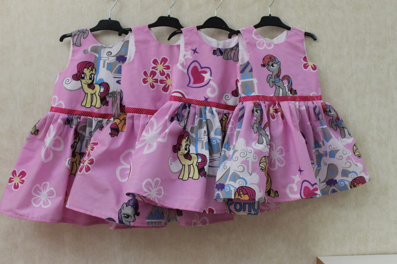 Повседневно - нарядное платье на девочку  Поняшки