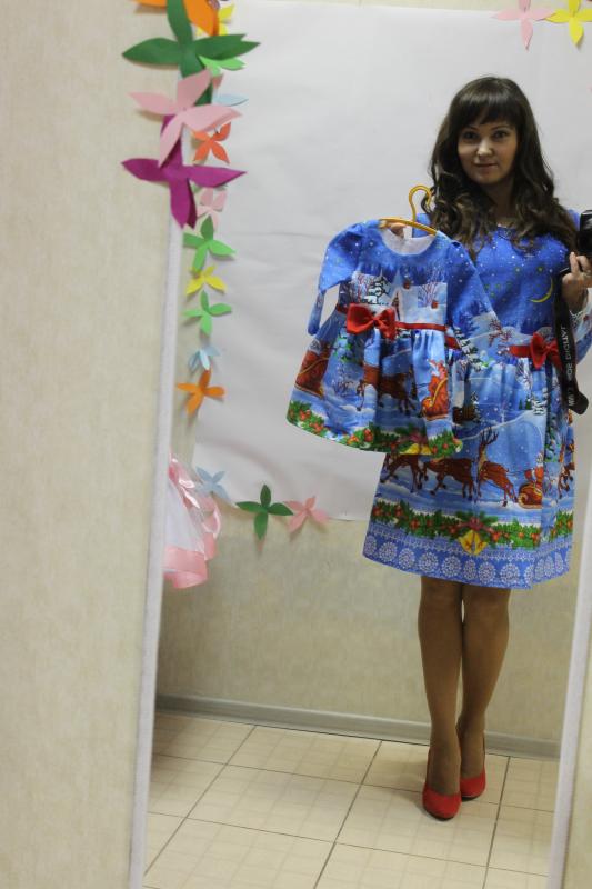 Повседневно - нарядное платье на маму и доченьку (в стиле Фемели Лук)   Новогодние олени и снеговички (мама трапеция)