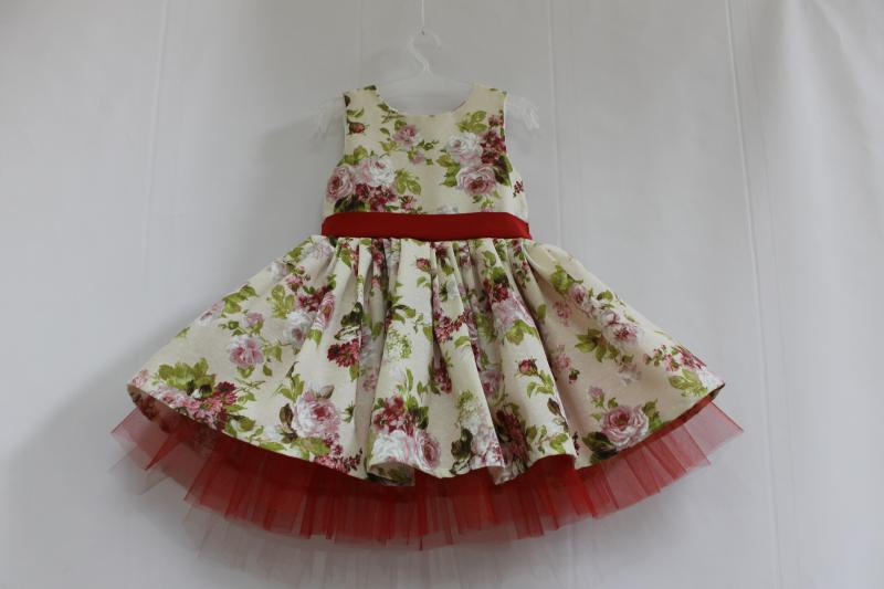 Нарядное платье на девочку с красным фатином № 51