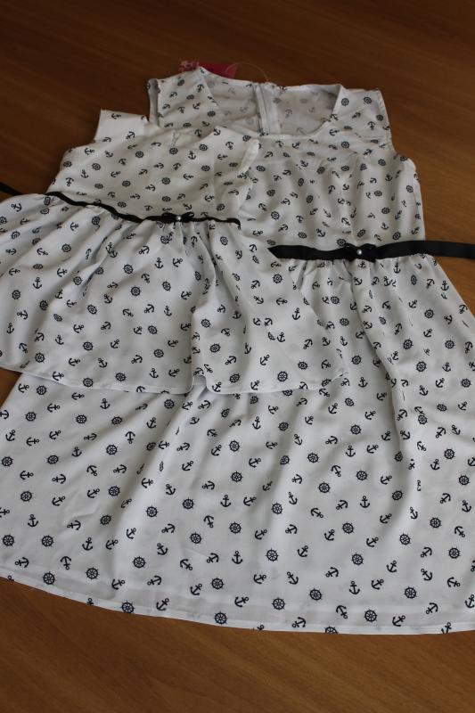 Нарядные платья на мама + доченька в стиле  Family look  -   Якоря на белом фоне