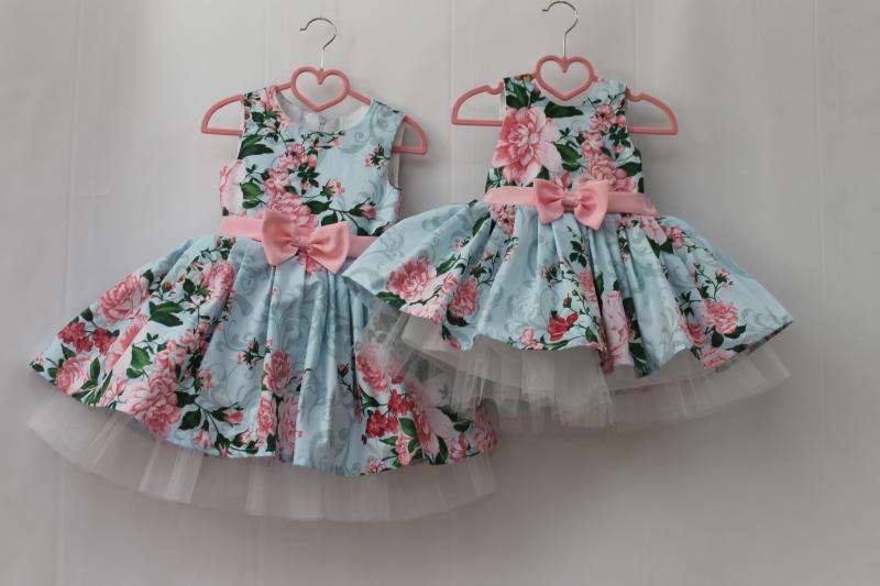 Нарядное платье на девочку   Розовый пиончик   с розовым поясом и бантиком