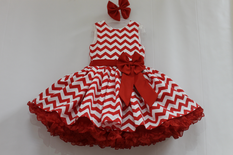Нарядное платье на девочку в стиле  Стиляги  красно - белый зиг - заг с 2-м подьюпником