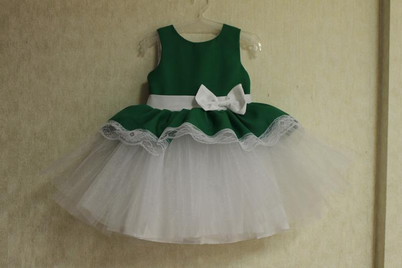 Нарядное платье на девочку  Зеленая травка