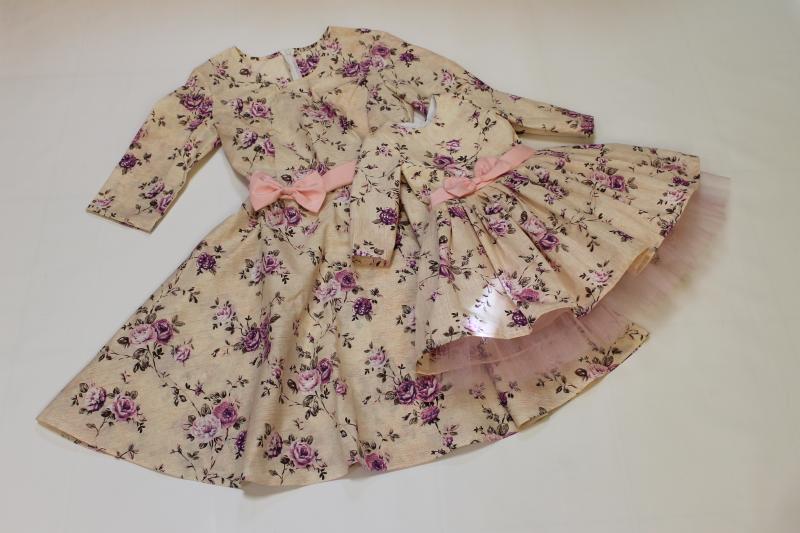 Платья на маму и доченьку с розовым поясом и рукавами №33