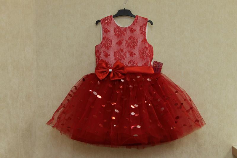 Нарядное платье на девочку  Красная блестинка